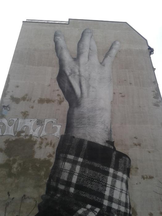 1412_hand
